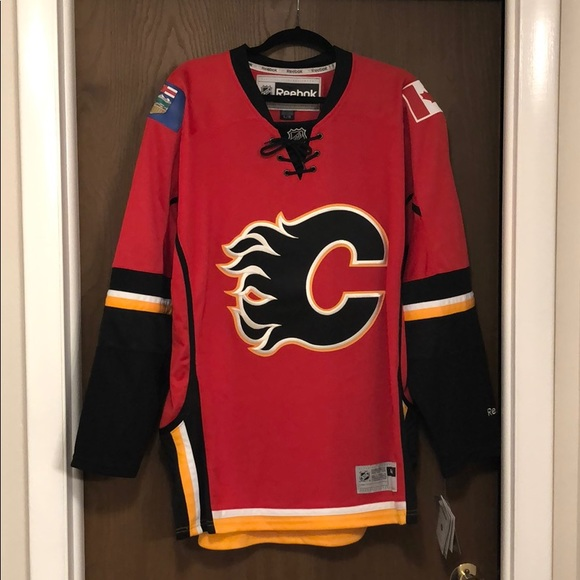 new product 5d87b 97fcc Calgary Flames Jersey NWT
